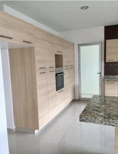 casa en venta en cumbres del lago con acabados de lujo