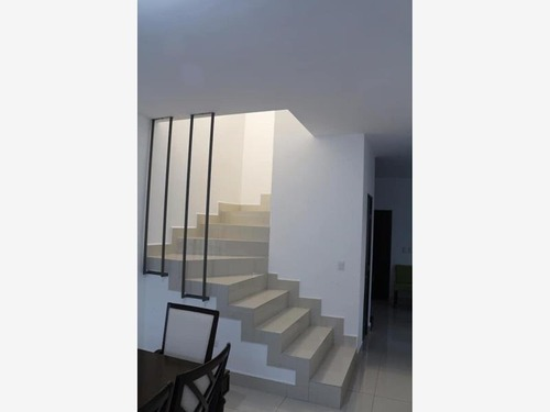 casa en venta en cumbres puerta de hierro