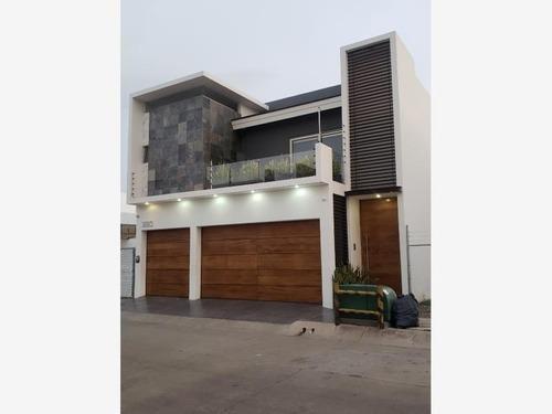 casa en venta en desarrollo urbano tres rios
