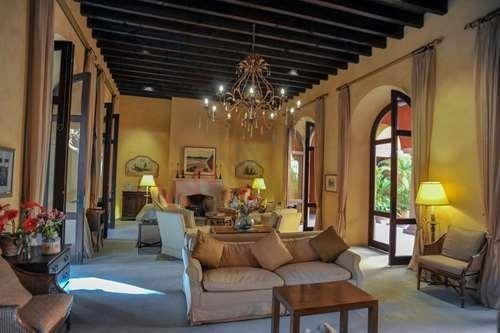 casa en venta en el centro de san miguel de allende (palacio de pilaseca)