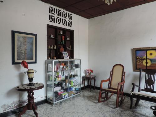casa en venta en el centro de santa marta