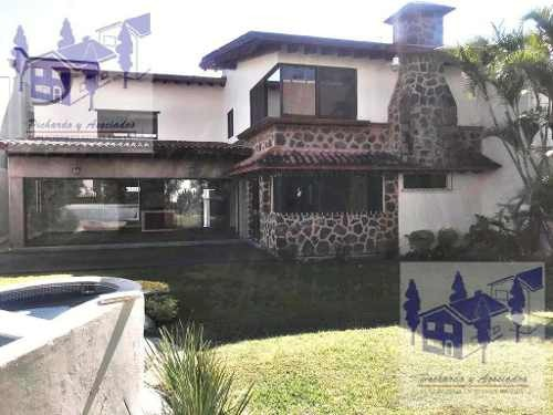 casa en venta en el  fraccionamiento villas del lago en cuernavaca