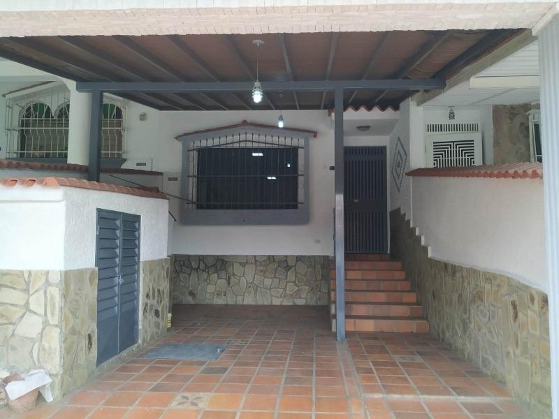 casa en venta en el parral 04140434303.