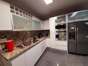 casa en venta en el parral, valencia carabobo 20-8104 em