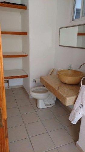 casa en venta en el pueblito con amplios espacios