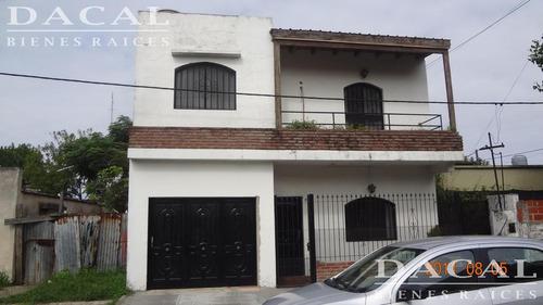 casa en venta en ensenada calle 126 e/ 36 y 37 dacal bienes raices