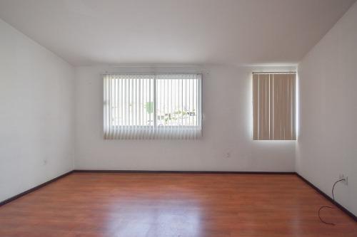 casa en venta en  finca real  metepec.