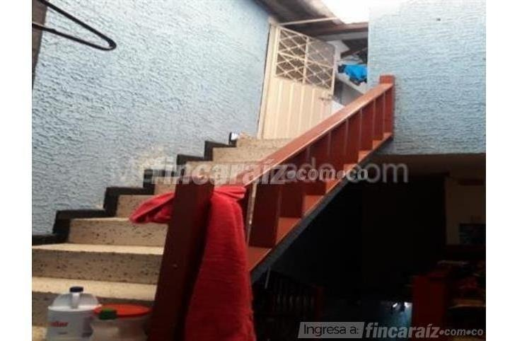 casa en venta en fontibon sobre zona comercial. rentando