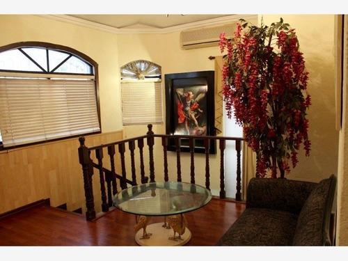 casa en venta en fracc jardines de santa catarina