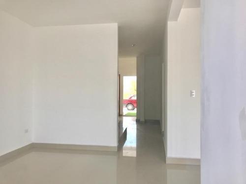 casa en venta en fracc. la encomienda