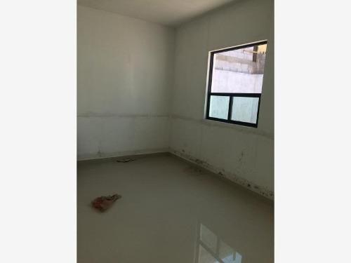 casa en venta en fracc magiterial ibero, torreón
