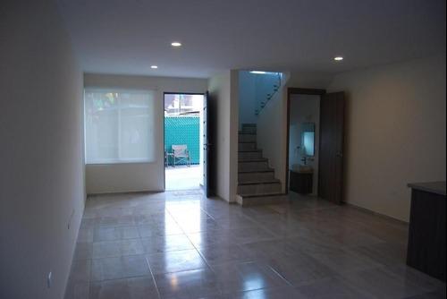 casa en venta en fraccionamiento el origen en santiago momoxpan