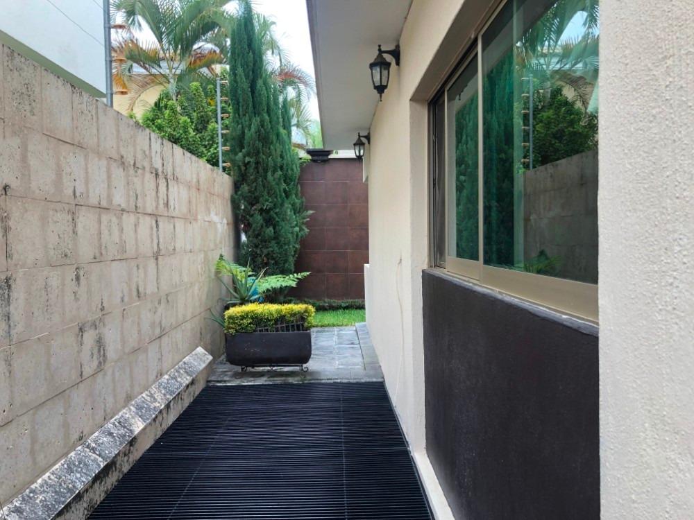 casa en venta en fraccionamiento jardín real
