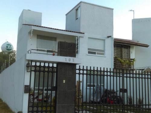 casa en venta en fraccionamiento las trojes