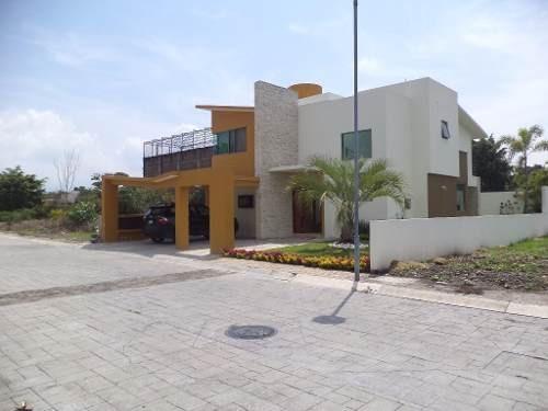 casa en venta en fraccionamiento pavorreal, jiutepec