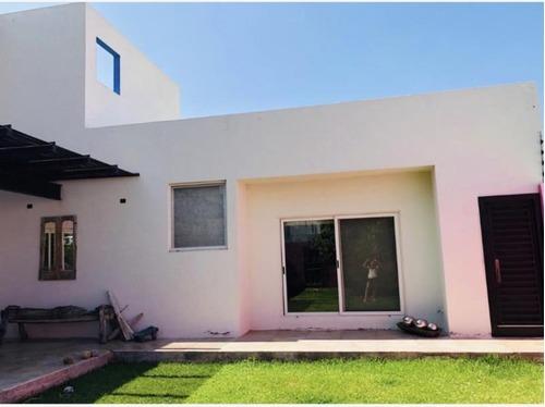 casa en venta en fraccionamiento santa rosa