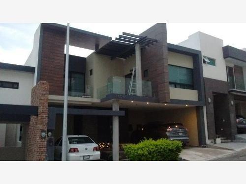 casa en venta en fraccionamiento vista alta