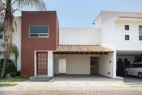 casa en venta en fraccionamiento vista real