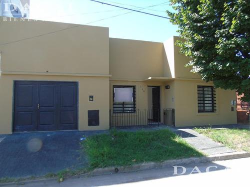 casa en venta en gonnet calle 519 e/ 2 y 2 dacal bienes raices