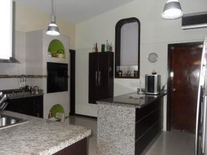 casa en venta en guataparo country club valencia1914632valgo