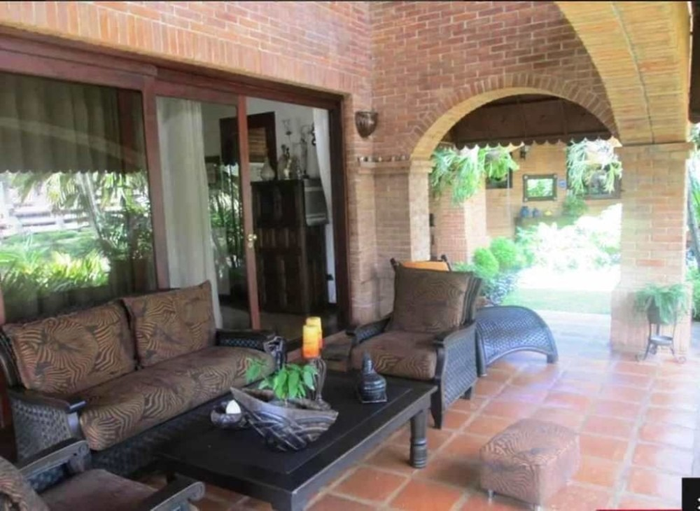 casa en venta en guataparo country club. wc