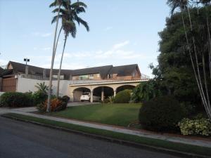 casa en venta en guataparo country  valencia19-14632 valgo