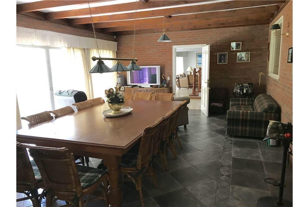 casa en venta en highland park cc- pilar- golf