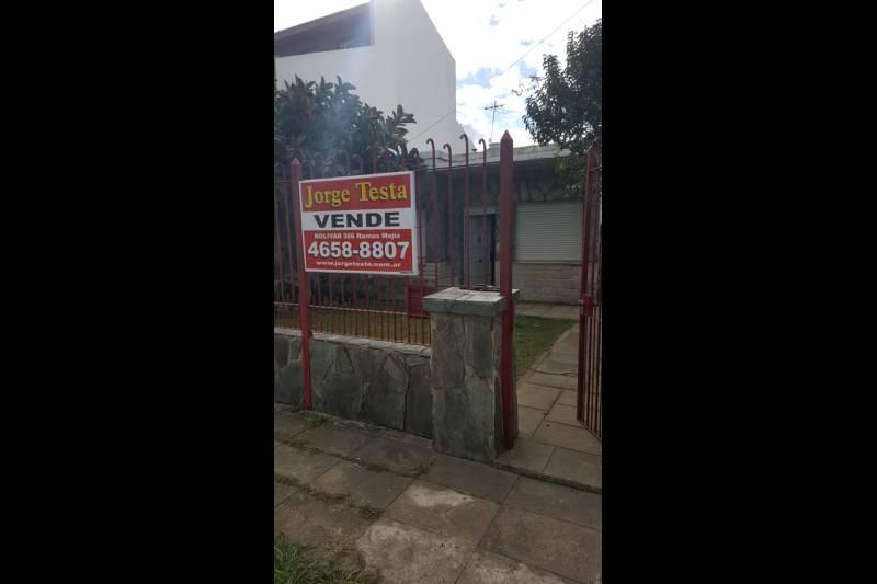 casa  en venta en ituzaingo