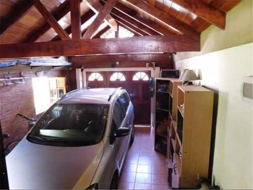 casa en venta en ituzaingo centro!!! 9 cuadras de estacion !