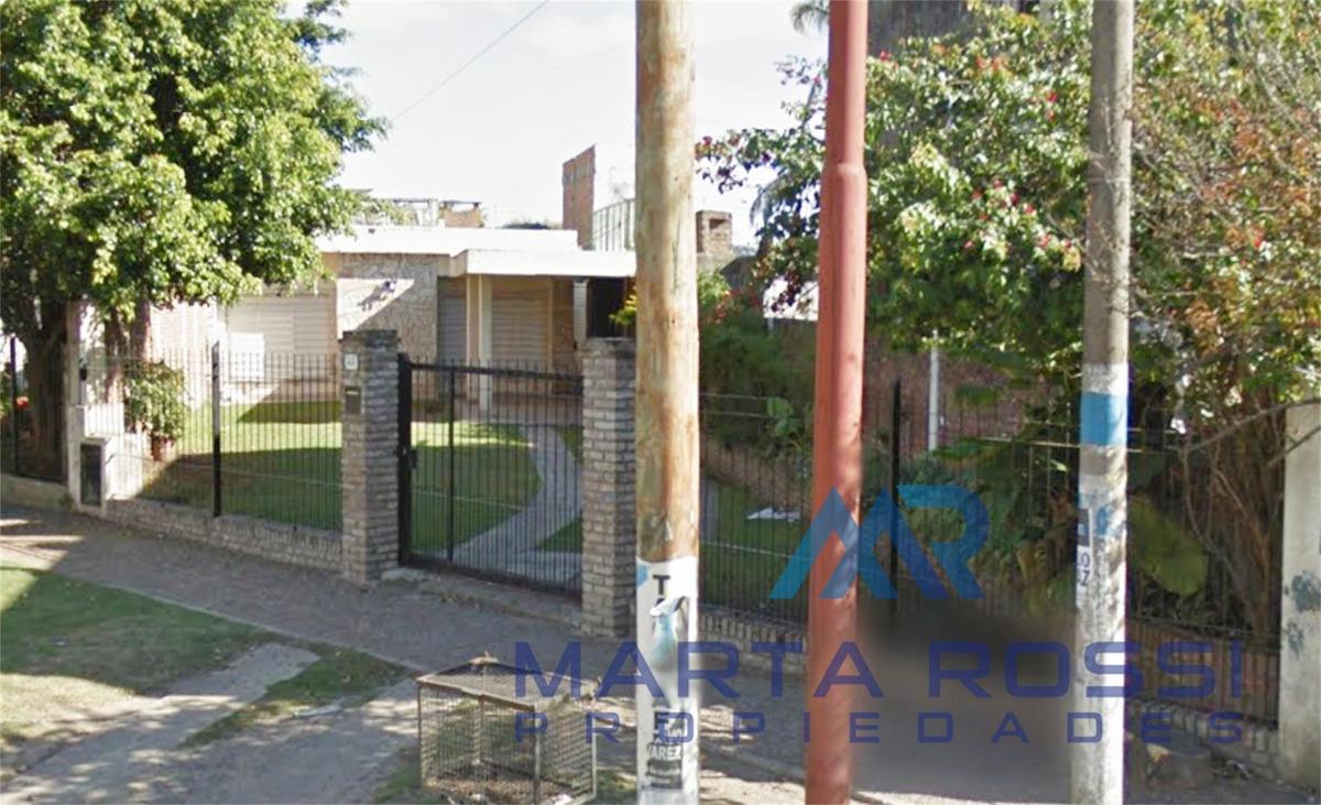 casa en venta en ituzaingo sur, sobre av. blas parera!!