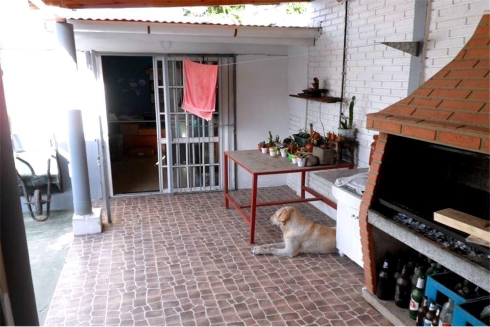 casa en venta en jaguel tres ambientes