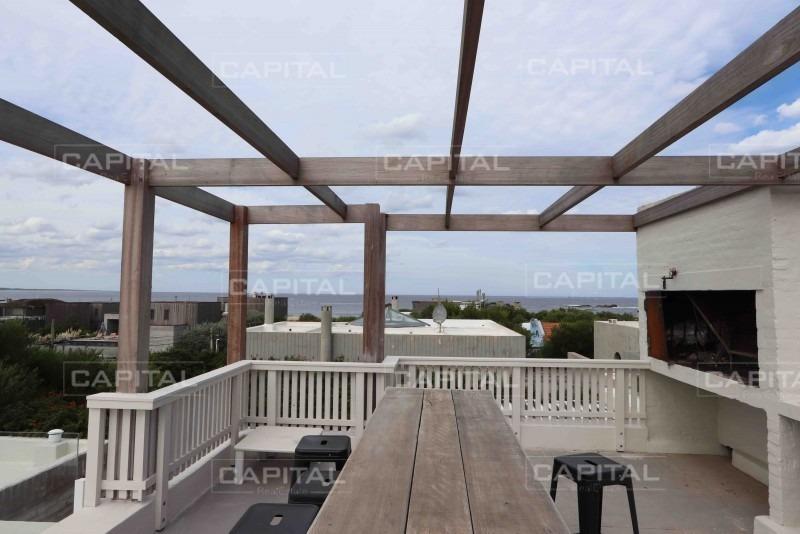casa en venta en josé ignacio, a 150 metros de la playa y restaurant la huella-ref:28220