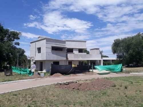 casa en venta en juana koslay