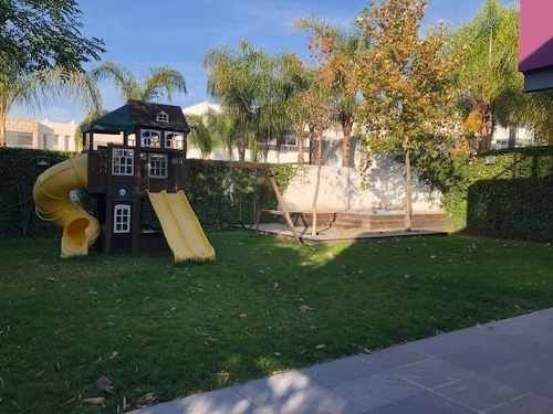 casa en venta en la cañada juriquilla con excelentes espacios. $16,500,000