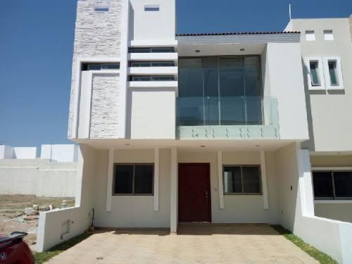 casa en venta en la cima zapopan