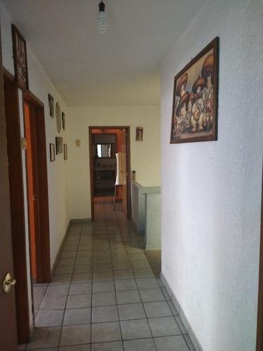 casa en venta en la colonia san cristobal en cuernavaca