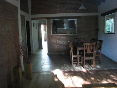 casa en venta en la comuna san roque (3 dorm) a mts del lago. bercovich rodriguez