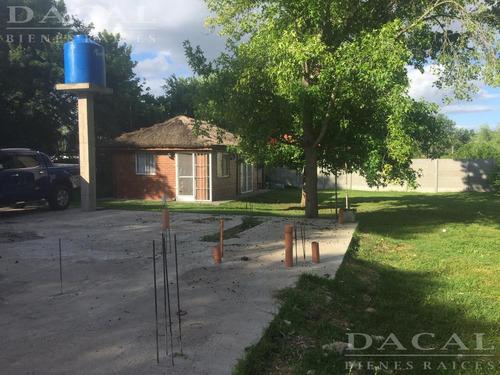 casa en venta en la plata calle 310 e/ 44 y 46 dacal bienes raices