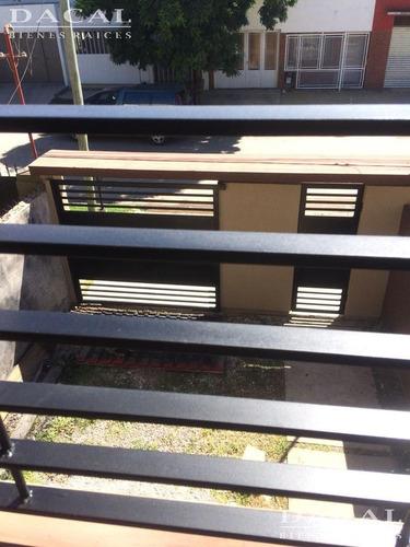 casa en venta en la plata calle 5 bis e/ 80 bis y 82 dacal bienes raices
