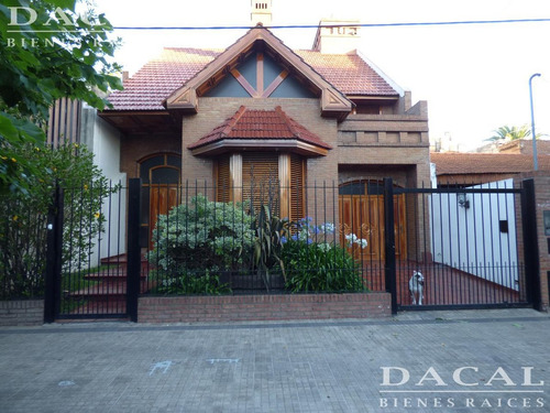 casa en venta en la plata calle 71 e/ 9 y 10 dacal bienes raices