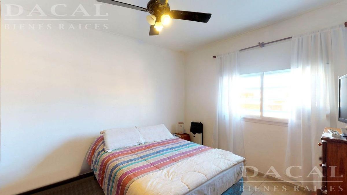casa en venta en la plata calle 83 e/ 119 y 120 dacal bienes raices