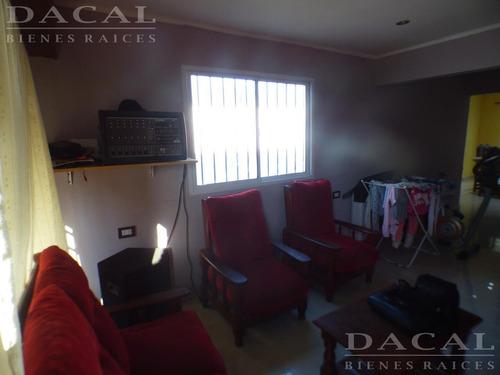 casa en venta en la plata calle 99 esq 6bis dacal bienes raices