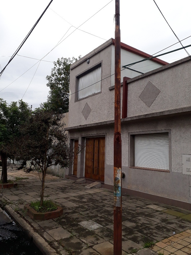 casa en venta en lanús oeste