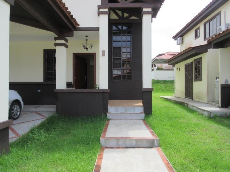 casa en venta en las cumbres 20-1898emb