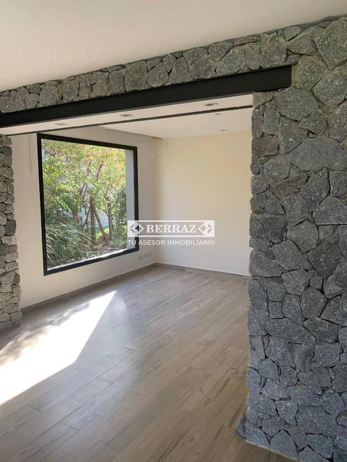 casa en venta en  las liebres pilar