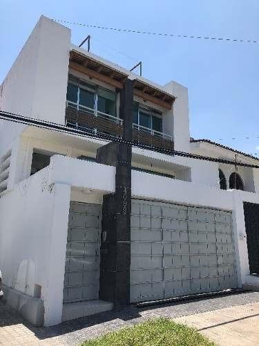 casa en venta en lomas altas zapopan