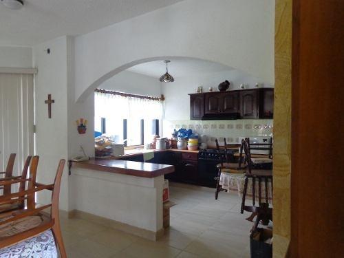 casa en venta en lomas de cocoyoc, con hermosa vista.