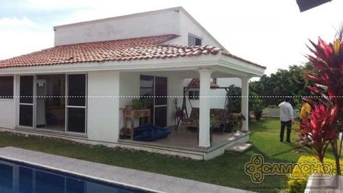 casa en venta en lomas de cocoyoc olc-0