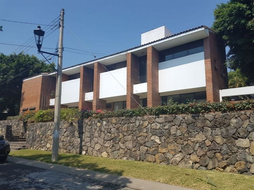 casa en venta  en lomas de cocoyoc olc-0055