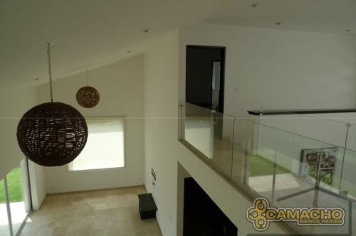 casa en venta  en lomas de cocoyoc olc-0240